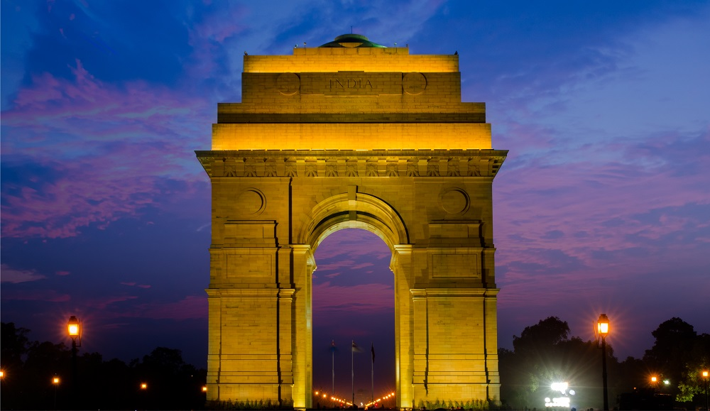 The India Gate looks stunning at night