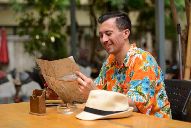 Traveler Reading Map