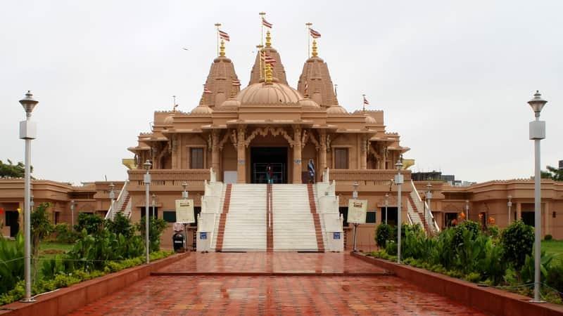 Devotees gathered at the Swaminarayan Temple