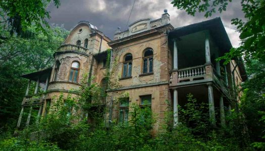14 Haunted Places in Mumbai That Will Freak You Out