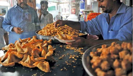 20 Perfectly Mouth-Watering Street Food in Chandigarh