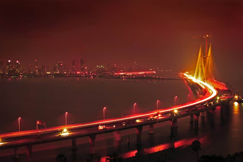 The Bandra-Worli Sea Link makes for a sweet midnight drive