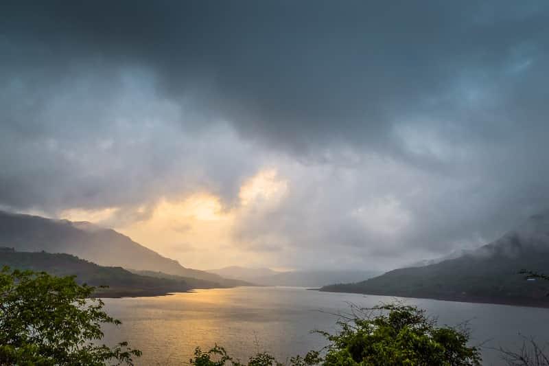 The gorgeous sunrise at Mulshi Dam