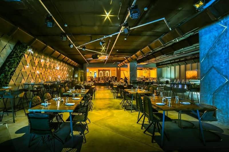 XU Bar, Leela Palace