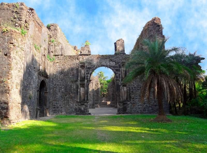 While visiting Vasai, one mustn't forget to see the Vasai Fort