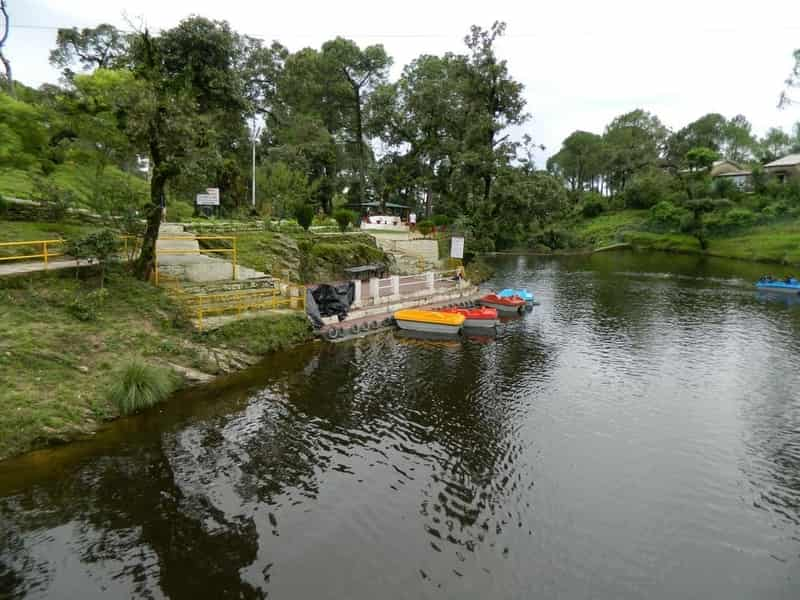 Enjoy a boat ride as you soak in the scenic views of the Bhulla Lake