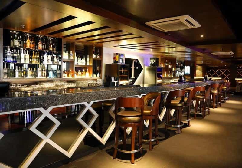 gay bar in delhi