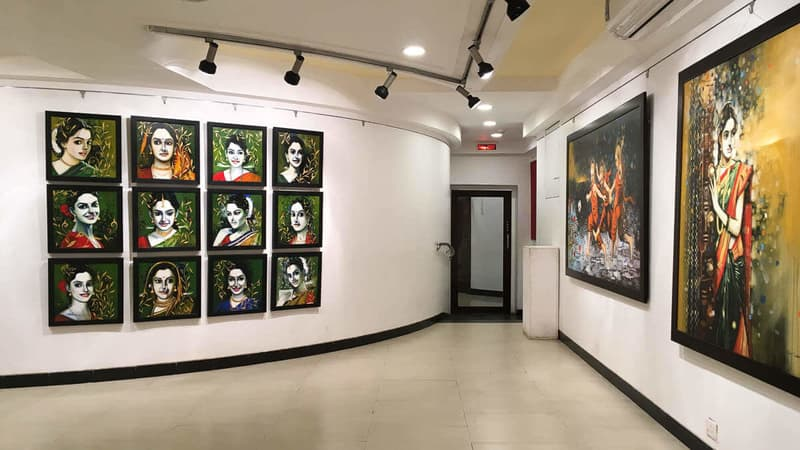 Jehangir Art Gallery celebrates local artists