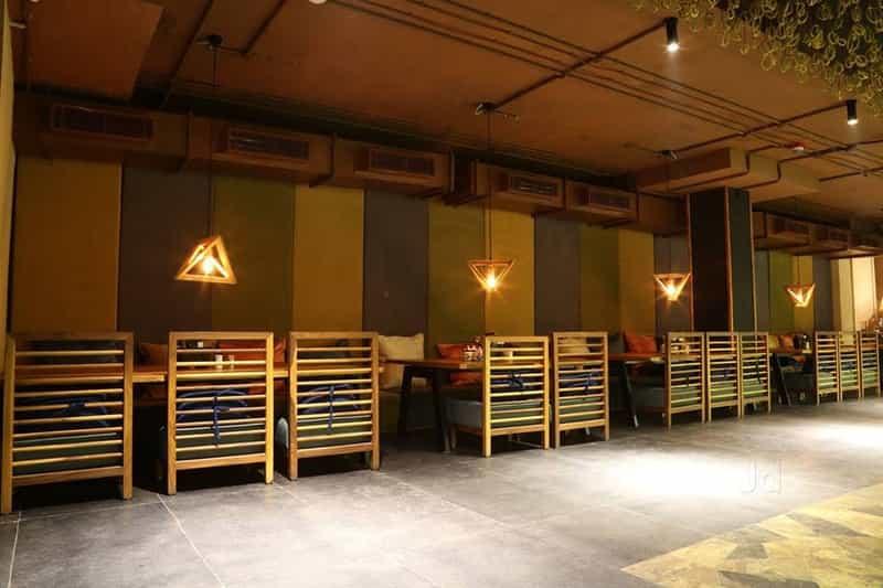 La La Land bar & Kitchen
