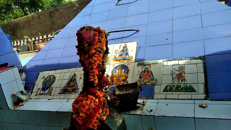 Neeli Chhatri Temple
