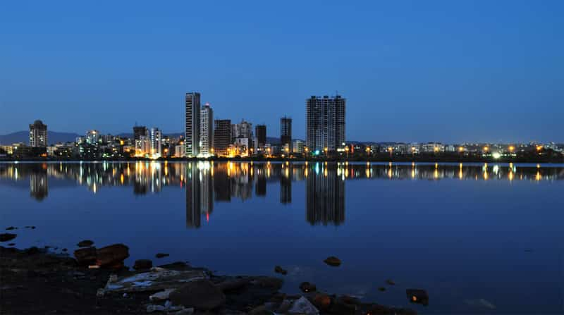 Nerul Lake offer stunning views in the early morning and night making it a romantic area