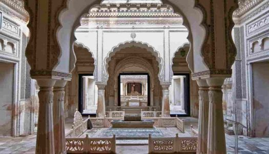 19 Hyderabad Monuments For a Historical Tour