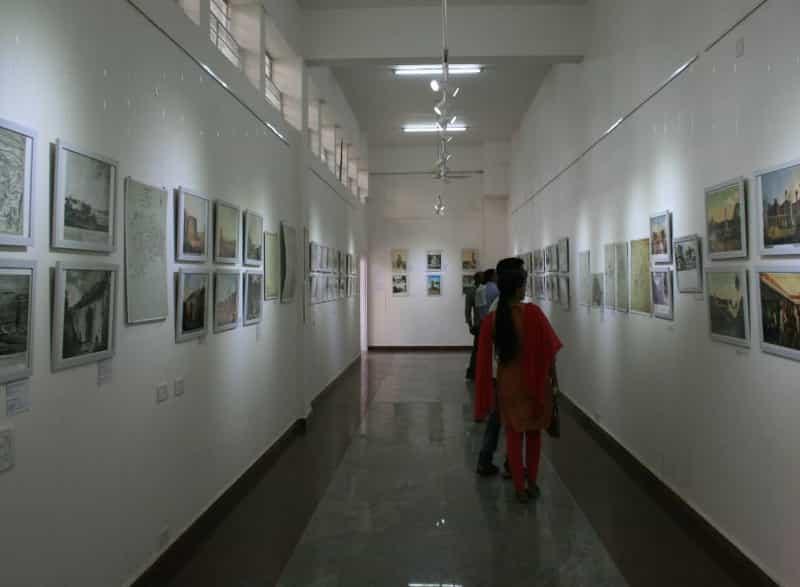 Rangoli-Metro Art Centre