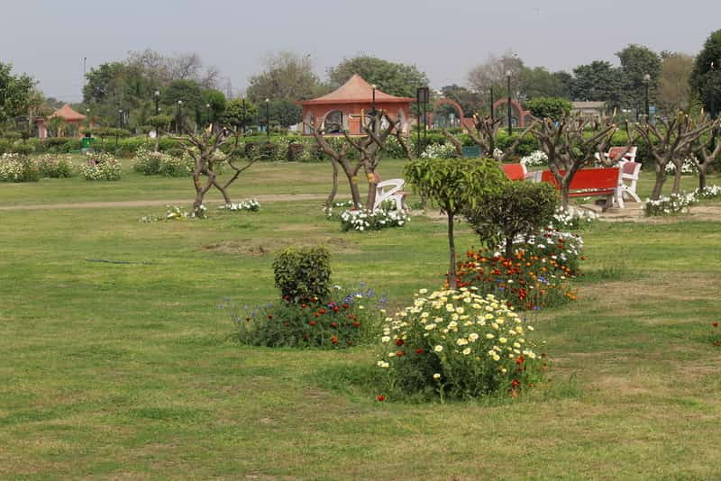 best dating spots in delhi