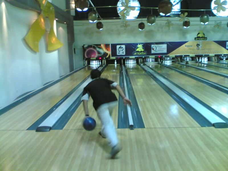Bowling At Amoeba