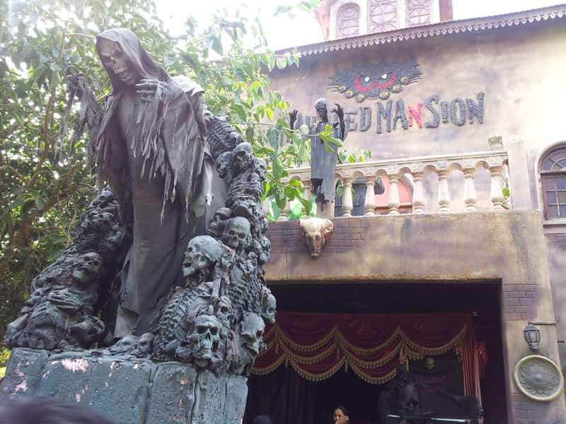 Chilling Statue at the Haunted Mansion