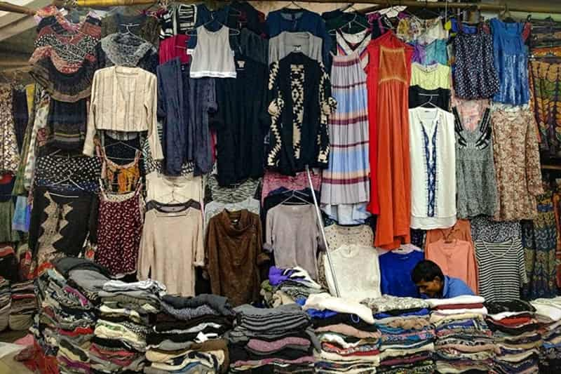 Get great first copy clothes at cheap prices at the Sarojini Nagar market