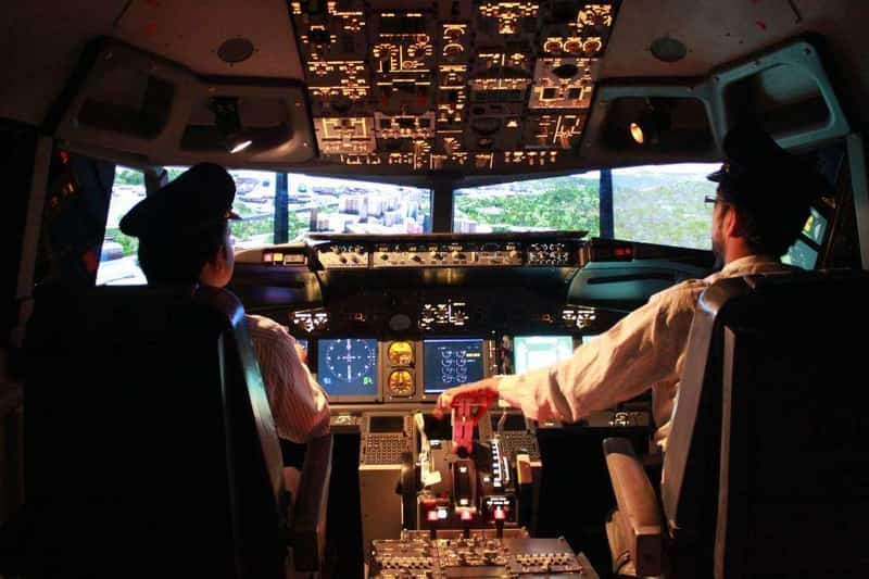 Have a thrilling experience piloting a plane in Mumbai