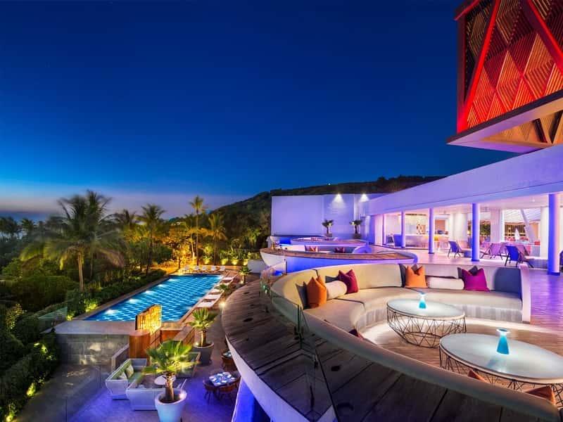 Poolside Bar- Park Hyatt Resort