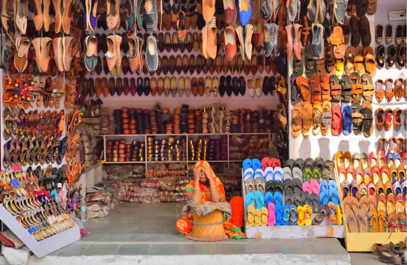 de5dfa940 11 Mumbai Footwear Wholesale Market - Treebo