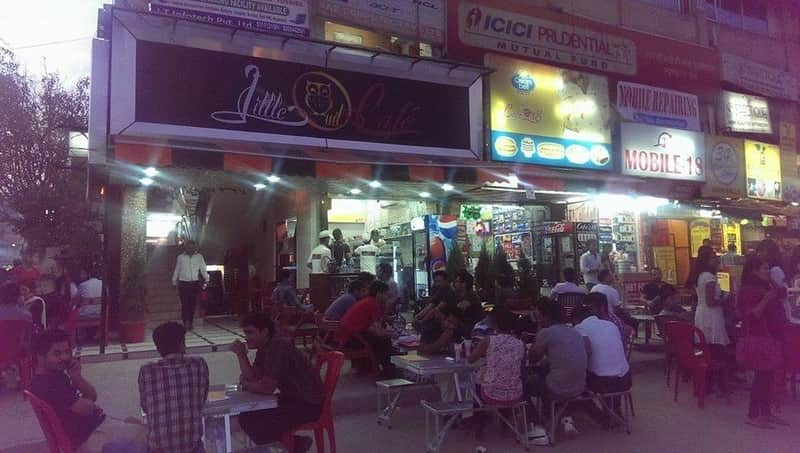 The late night restaurants at Pandara Road