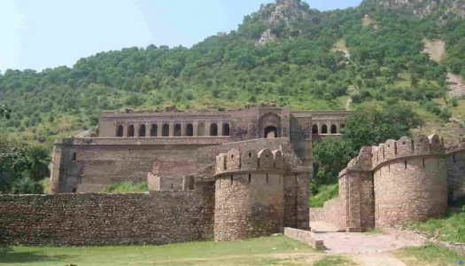 An Eerily Accurate Guide to Bhangarh