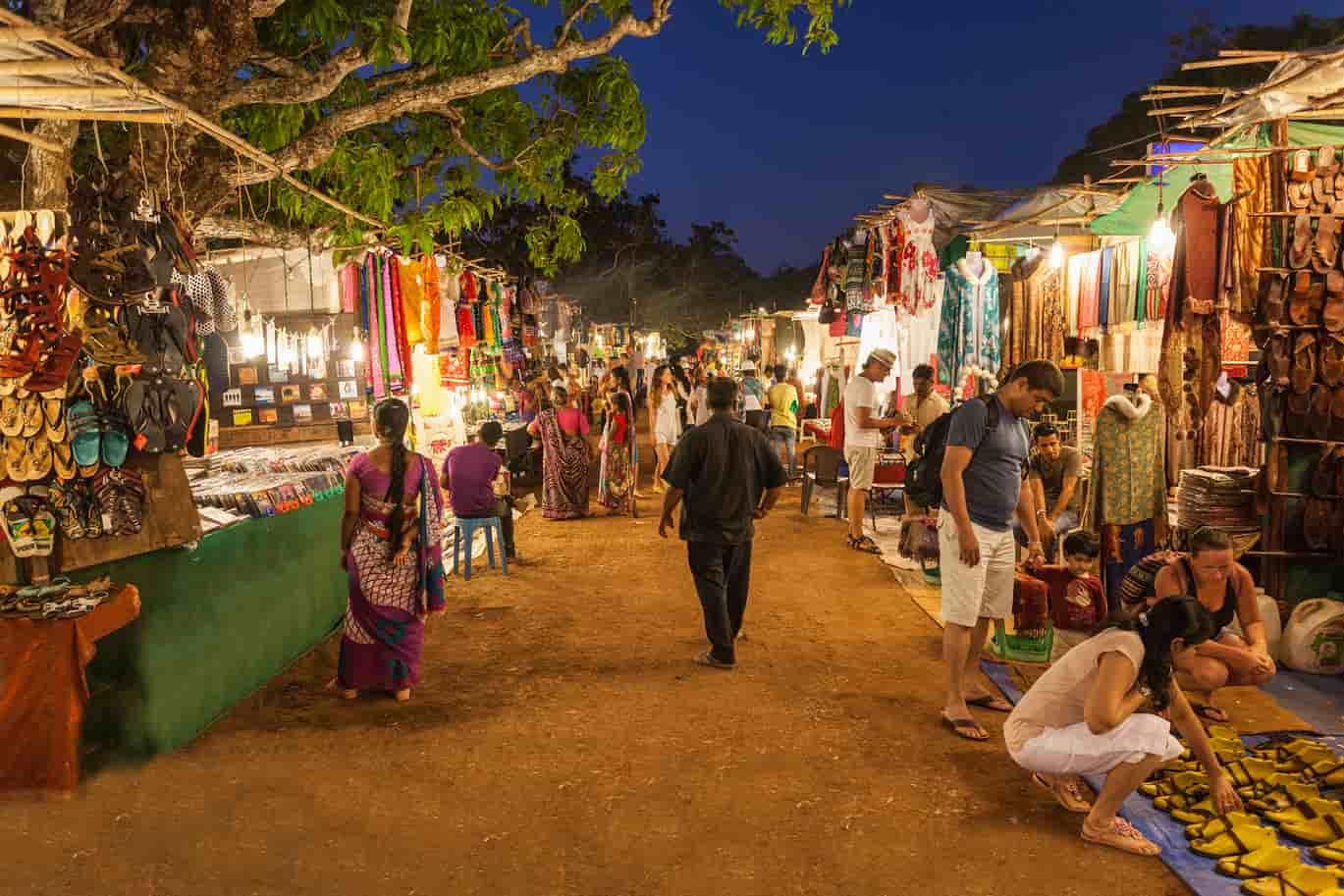 Best Shopping 12 Goa Treebo Markets Street Places In Goa wwq1IC