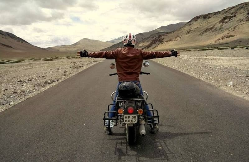 A biker enjoying a road trip to Leh