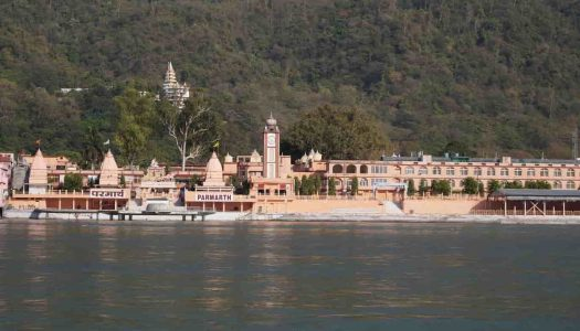 15 Famous Places in Rishikesh You Must Visit On Your Holiday