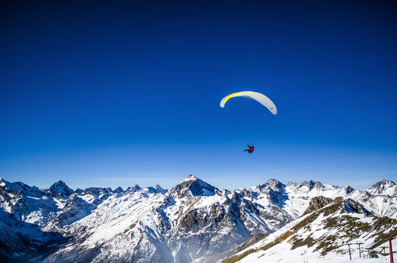16 Places for Paragliding In India, Paragliding Sites In India - Treebo